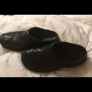 Keen ladies leather shoes